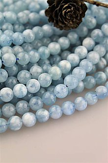 Minerály - akvamarín korálky 8mm (AA prírodný akvamarín) - 10657795_
