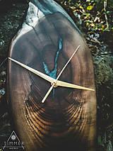 Hodiny - Split - Orechové drevené hodiny - 10657885_