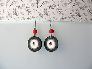 Náušnice - ,,Biele kolieska s červenou,, - 10659680_