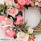 Dekorácie - Romantický ružový veniec - 10659579_