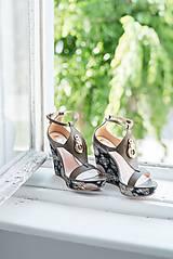 Iné doplnky - Kožené hnedé khaki sandále na platforme - 10659306_