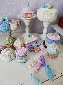 Hračky - Detská cukráreň - háčkované koláče - 10663465_