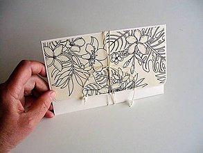 Papiernictvo - obálka (kvety, vtáky, motýle) - 10662624_