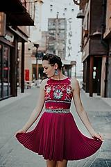 - fialové plisované šaty Poľana - 10663872_