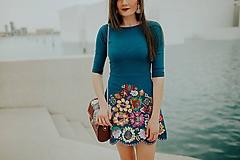 Šaty - vyšívané zelene šaty Poľana - 10664401_