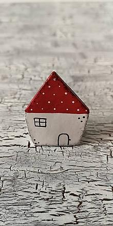 Odznaky/Brošne - maľovaný bodko domček - brošňa (červený väčší) - 10660738_