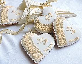Darčeky pre svadobčanov - Medovníkové svadobné iniciály - 7 cm - 10667129_