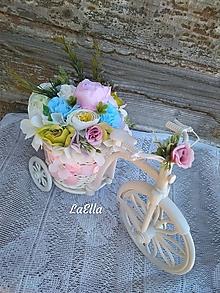 Dekorácie - Bicycle with flowers - 10666998_