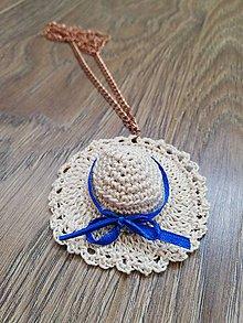 Náhrdelníky - Háčkovaný náhrdelník - klobúk - 10665149_