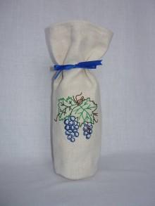 Úžitkový textil - Ručne vyšívaný obal na víno - hrozno - 10665897_