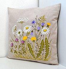 Úžitkový textil - Vankúš-ručne maľovaný-Na lúke 1 - 10669780_