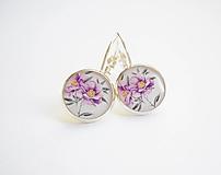 Náušnice - Živicové náušnice - Fialové kvety - 10669013_