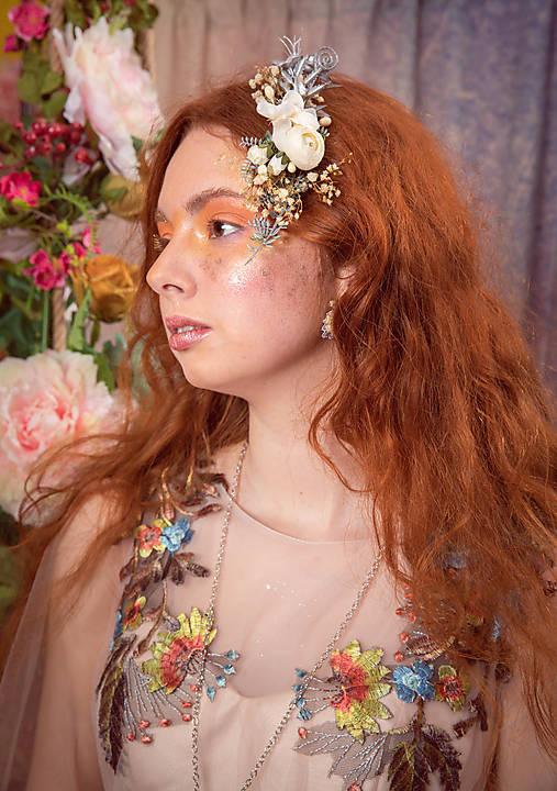 """výpredaj z 22 eur Kvetinový hrebienok """"láska v svite mesiaca"""""""