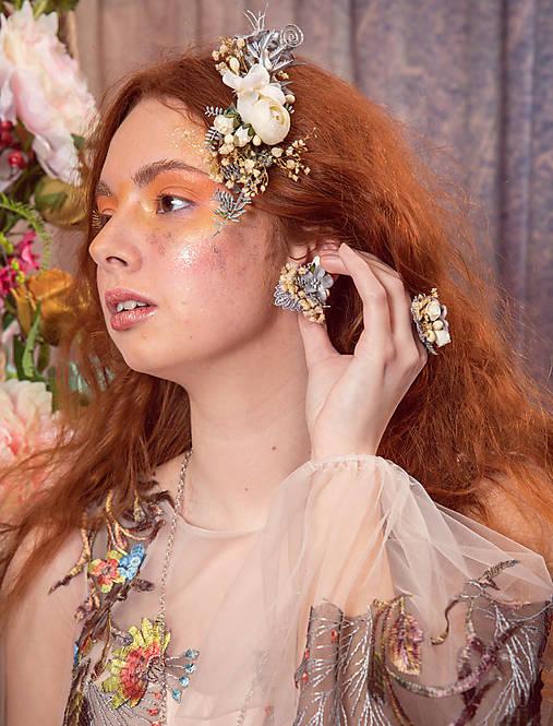 """Kvetinové náušnice """"láska v svite mesiaca"""""""