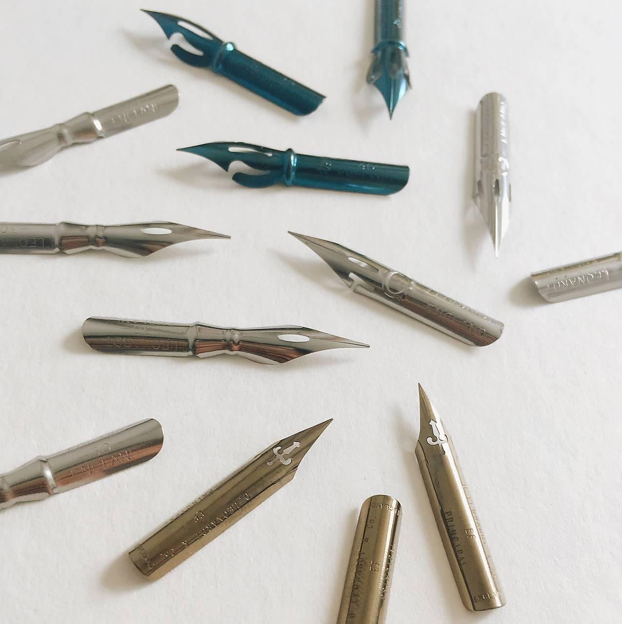 Set pomôcok: Moderná kaligrafia ŠPICATÝM PIERKOM
