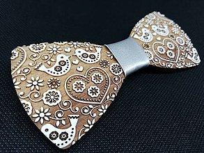 Doplnky - Drevený motýlik- ľudove vtáčiky biely - 10672619_