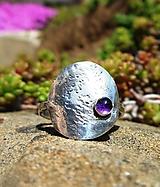 Prstene - Strieborný Prsteň s Ametystom - 10673207_