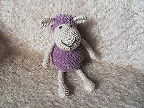 Hračky - Milá háčkovaná ovečka (Fialová) - 10671680_