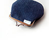 Peňaženky - Vyšívaná peňaženka M Zelenina na modrej - 10671209_