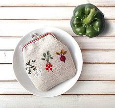 Peňaženky - Peňaženka M Zelenina na režnej - 10673422_