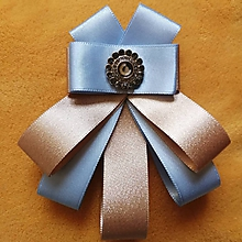 Odznaky/Brošne - Modro - zlatá jemná kráska - 10674768_