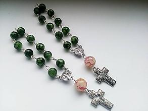 Iné šperky - Ruženec v zelenej farbe - 10675223_