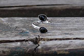 Prstene - Turmalín rhodiovaný strieborný prsteň - 10675542_