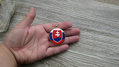 Náhrdelníky - Prívesok Slovesnko (v zlatom lôžku, č. 2643) - 10675576_