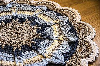 Úžitkový textil - háčkovaný koberček - 10675160_