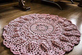 Úžitkový textil - háčkovaný koberček - 10676353_