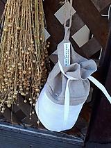 Úžitkový textil - Ľanové vrecúško - 10676123_