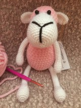 Hračky - Háčkovaná ružová ovečka - 10677208_