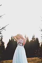 Šaty - Svadobné šaty s červenou výšivkou II. - 10678737_