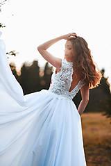 Šaty - Svadobné šaty s červenou výšivkou II. - 10678741_