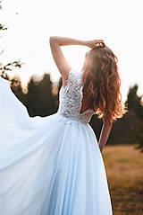 Šaty - Svadobné šaty s červenou výšivkou II. - 10678742_