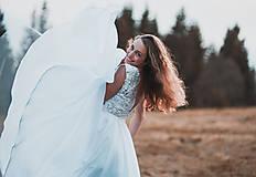 Šaty - Svadobné šaty s červenou výšivkou II. - 10678744_