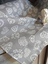 Úžitkový textil - Obrus  srdiečka - 10677816_