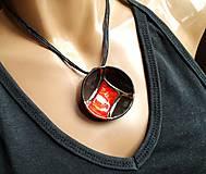 Náhrdelníky - Keramický šperk z kolekcie V KRUHU- s červeným akcentom - 10678976_