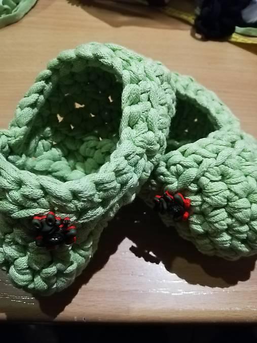 Hackovane detské papuče
