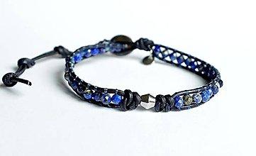 Šperky - Pánsky náramok BRYXI v koži s korálkami z kameňov (Modrá) - 10678422_