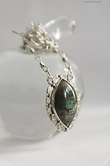 Náhrdelníky - Strieborný náhrdelník s labradoritom - 10681074_