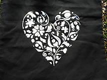 Nákupné tašky - white heart on black ekotaška - 10681771_