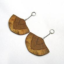 Náušnice - Drevené náušnice visiace - dubové vejáriky - 10682617_
