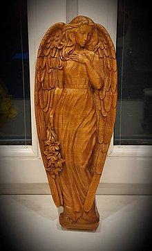 Obrazy - Drevorezba Anjel s kvetmi - 10685877_