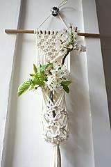 Dekorácie - macramé záves na kvety II. - 10684097_