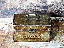 Krabičky - Nežný čokoládkový minikufrík 2/Krabička na darovanie peňazí/Šperkovnica - 10684343_