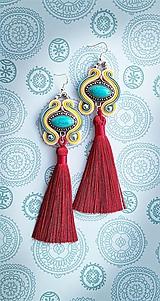 farebné tyrkysové s bordovým strapcom