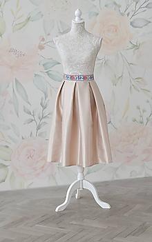 Sukne - Midi skladaná sukňa s folklórnym pásom - 10690172_