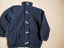 Detské oblečenie - chlapčenský svetrík jednoduchoklasický - 10688909_
