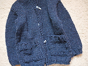 Detské oblečenie - chlapčenský svetrík jednoduchoklasický - 10688903_